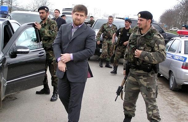 Охранников Кадырова, по разрешению следователя, отпустили в Чечню. МВД бессильно