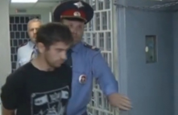 Дагестанский педофил. Здание суда под охраной