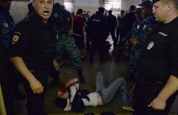 Московские школьники грабят, угоняют машины и торгуют наркотиками