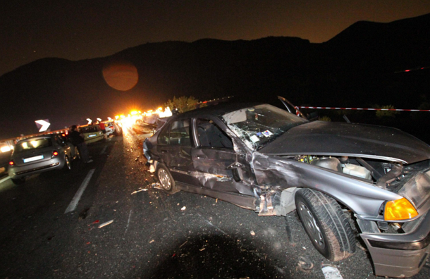 Автобус с паломниками упал с обрыва на юге Италии