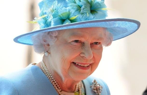Елизавета II одобрила закон об однополых браках в Великобритании