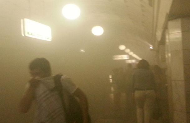 Дважды за день возник пожар на Сокольнической линии метро. Руководители метро предлагают пассажирам пользоваться наземным транспортом