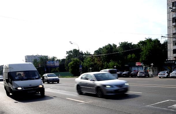 Медведев разрешил увеличивать скорость на российских автомагистралях до 130 км/ч