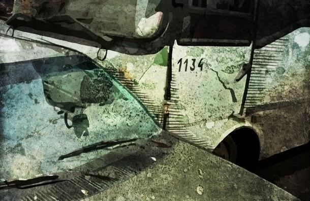 На Просвещения маршрутка столкнулась с иномаркой, ранены пассажиры