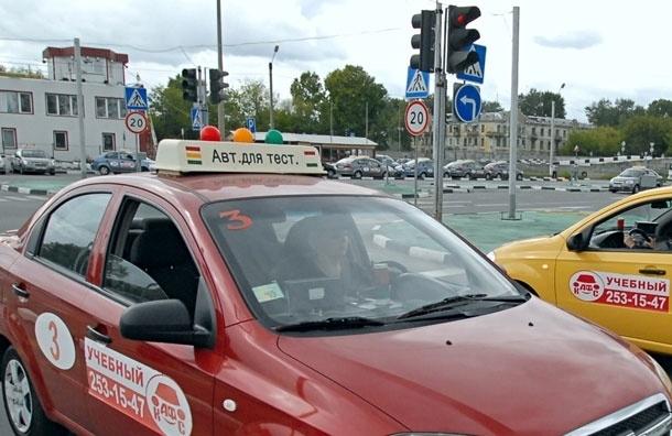 Вопрос к власти: почему не появляются инспекторы ГИБДД на самых оживленных перекрестках, когда там гаснет светофор?