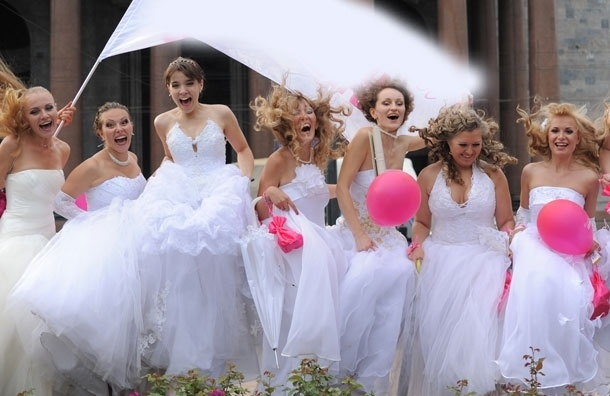 Парад невест, свадебный торт и прекрасный принц – ждут вас на карнавале в Царицыно