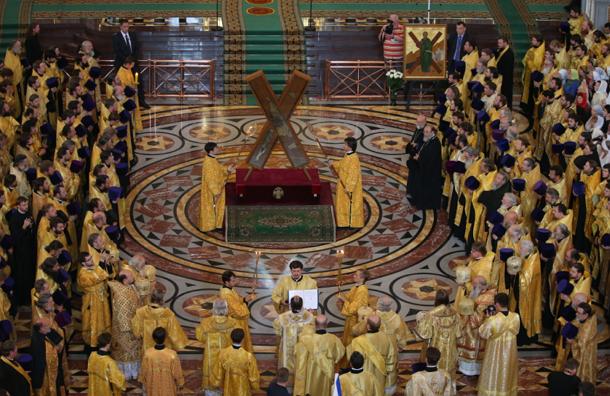 Кресту Андрея Первозванного поклонились 250 тысяч паломников из Москвы и Подмосковья