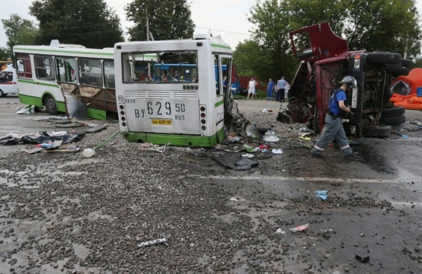 Шестеро пострадавших в ДТП под Подольском находятся в тяжелом состоянии