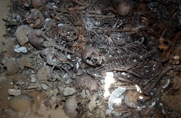В Фергане уничтожили старейшее христианское кладбище