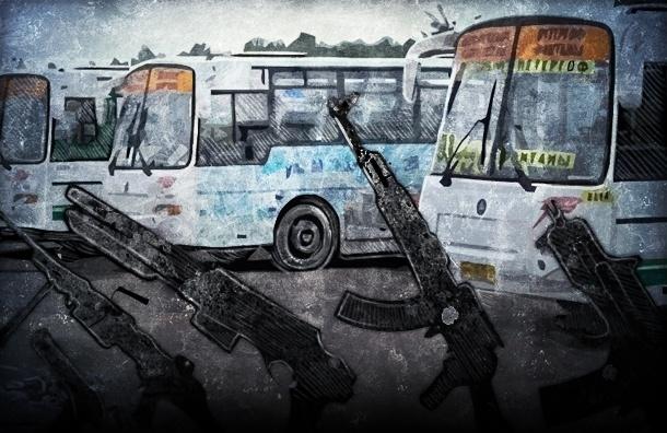 В двух районах Петербурга обстреляли четыре маршрутных автобуса