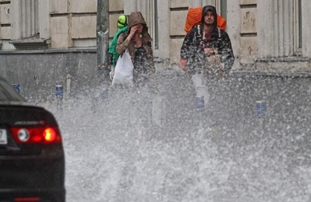 Вам кажется, что лето в Москве аномально дождливое?