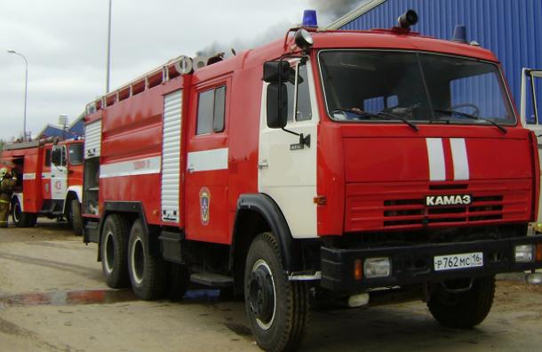 Трое мужчин в Подмосковье увидели пожар и попытались угнать пожарную машину