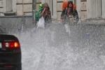 Дождь в Москве 9 июля 2013 года парализовал движение в городе