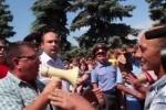 В мятежный город Пугачев власти вводят бронетехнику