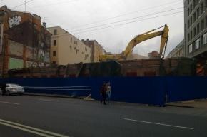Полтавченко запретил без разрешения сносить здания выше трех этажей