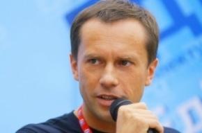 Опальный единоросс Валерий Федотов прилюдно уничтожил свой партбилет
