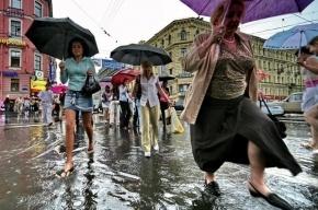Петербург «плывет» и стоит в пробках из-за сильнейшего ливня