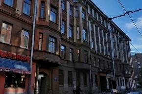 В доме на Большой Монетной улице горит квартира