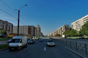Женщина без тапочек спрыгнула с восьмого этажа в Петербурге
