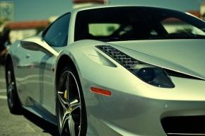 За рулем Ferrari, сбившего пешехода в Москве, находился сын миллиардера Зайонца