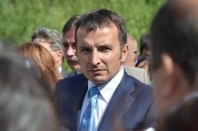 Глава Кронштадта пообещал дать квартиры русскоязычным дворникам