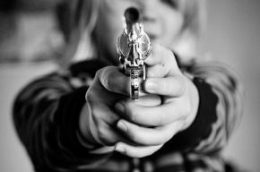 На юго-западе Петербурга подростки развлекались стрельбой по людям из окна