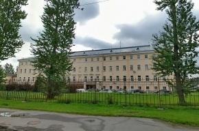 В Петербурге пожилой мужчина умер во время экзамена на права