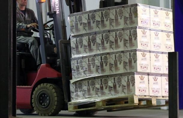 Легальная некачественная алкогольная продукция должна уничтожаться - А.Дворкович