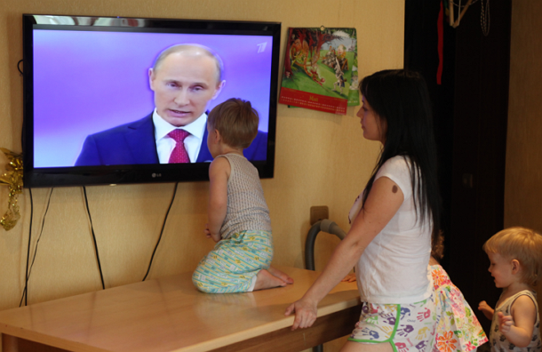 Телевизоры с плоским экраном – источник опасности для детей