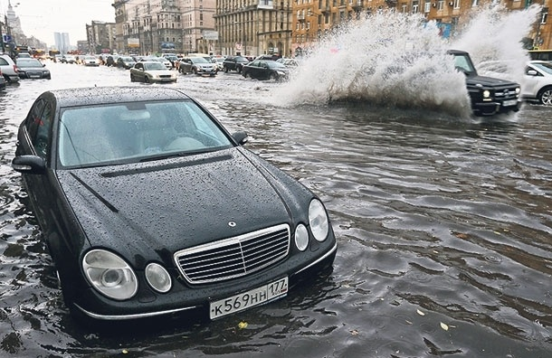 Вопрос к власти: когда вМоскве заменят городскую систему ливневых водостоков?