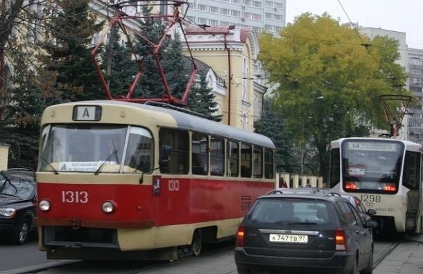 Камеры в Москве будут фиксировать выезд на трамвайные пути