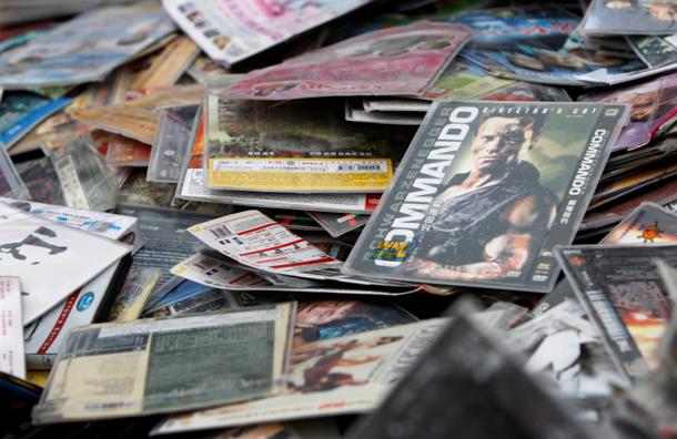 Миллион пиратских DVD-дисков изъяли в Подмосковье