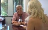 Канадская журналистка обнажилась перед мэром ради интервью: Фоторепортаж