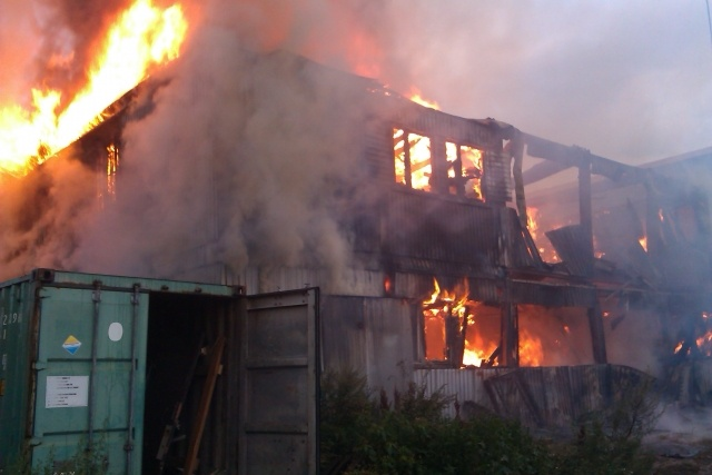 Пожар на Выборгском шоссе 1 августа: Фото