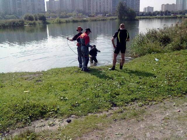 В трех районах Петербурга разыскивают утонувших людей: Фото