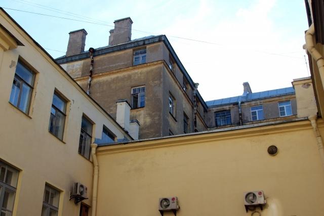 Европейский университет перед реконструкцией: Фото