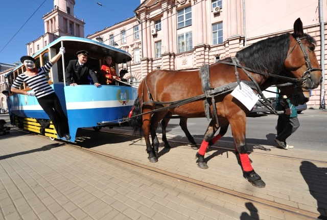 Конка на улицах Петербурга : Фото