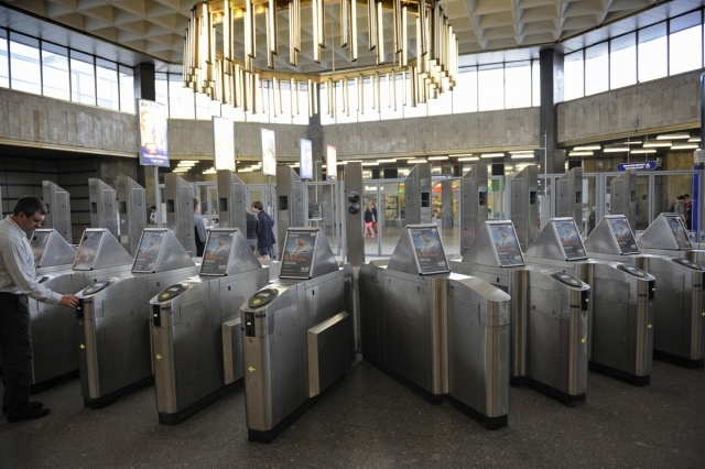 Камеры на турникетах метро «Ладожская»: Фото