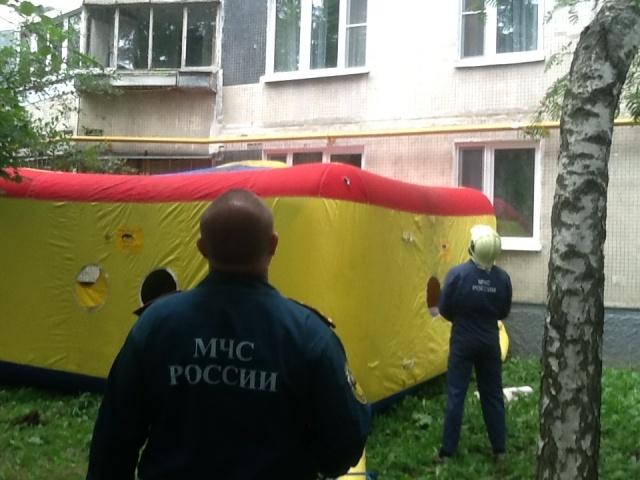 Газовый террорист угрожает взорвать жилой дом в Москве: Фото