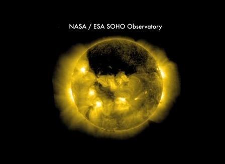 Магнитное поле Солнца вскоре перевернется: фото: Фото