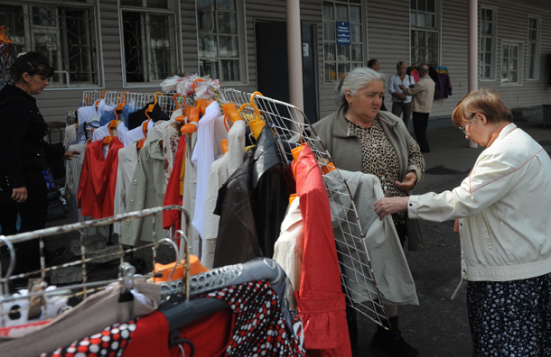 Штрафы за торговлю с рук и лотков в столице выросли до 200 тысяч рублей