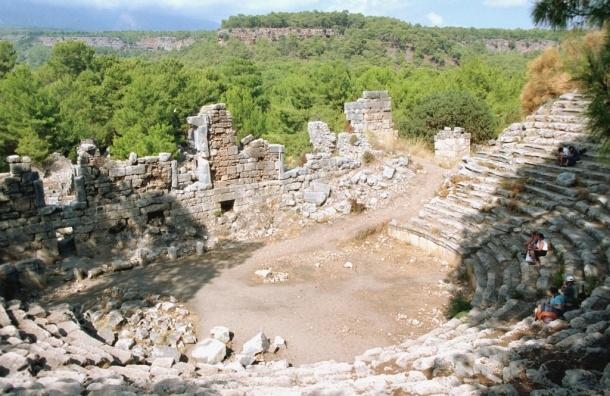 70 российских туристов отравились на турецком курорте