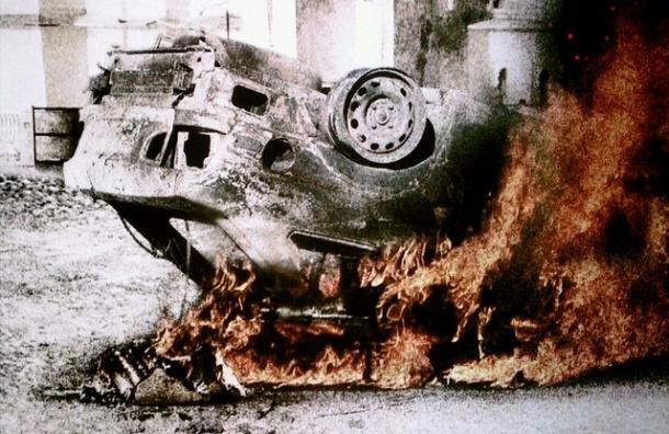 Под Петербургом загорелся «Мерседес», погибли двое подростков