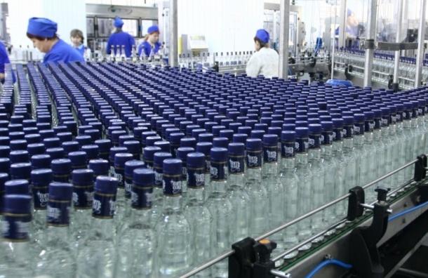 Производство водки в России выросло в июле на 11,6%, сигарет - на 16,8%