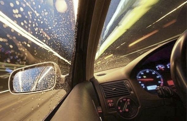 Водитель BMW погиб после столкновения с двумя Mercedes в Петербурге