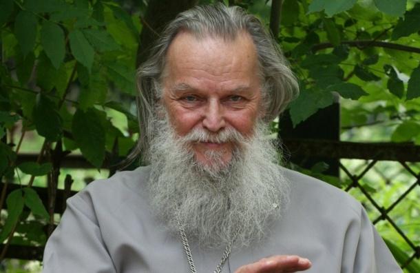 Священник из Пскова умер от потери крови - ВИДЕО