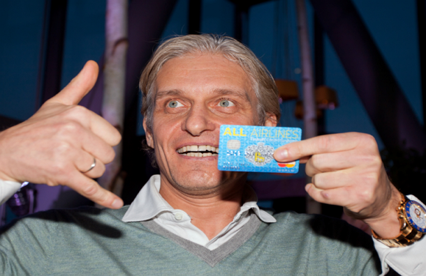 Банк О.Тинькова и заемщик из Воронежа решили помириться