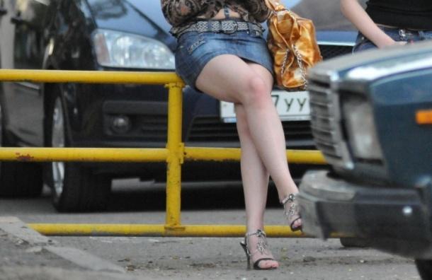 Азербайджанец хочет судиться с девушкой из-за мини-юбки