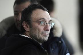 Хозяин «Анжи» встал на сторону команды в конфликте с Денисовым