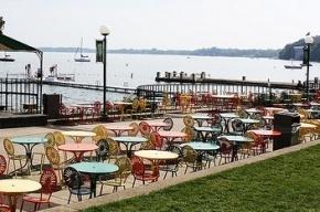Петербургских рестораторов хотят штрафовать за слишком большие летние террасы